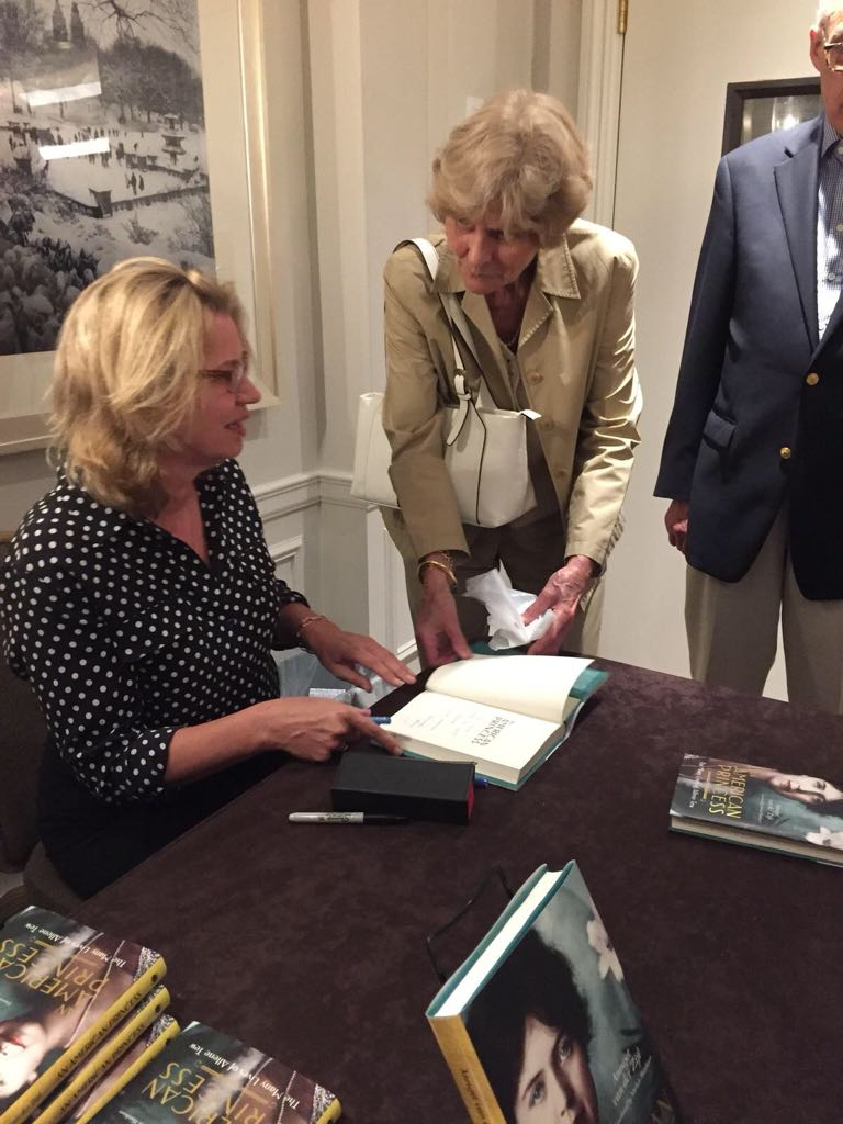 Annejet van der Zijl signing at The Netherlands Club of New York, May 30th, 2018
