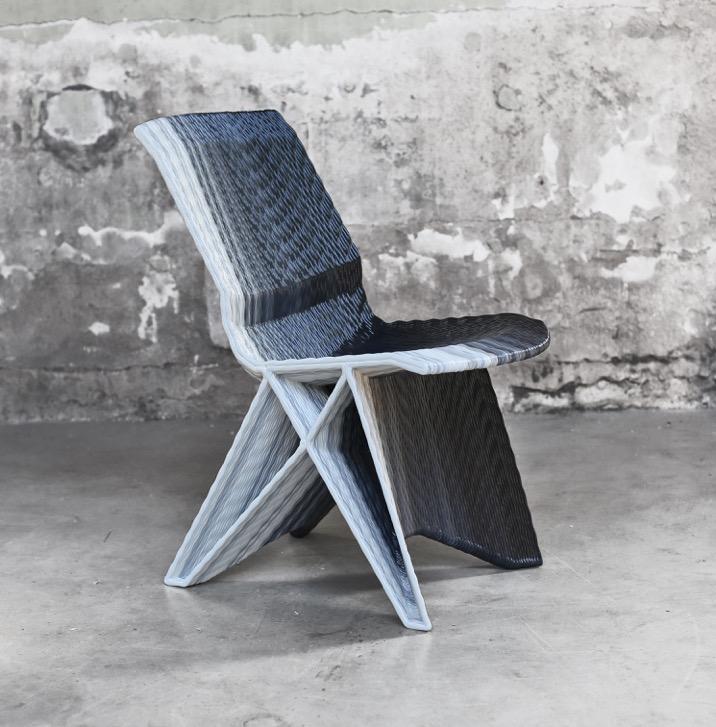 Endless Chair, Gradient Black - Courtesy of Studio Dirk vander Kooij