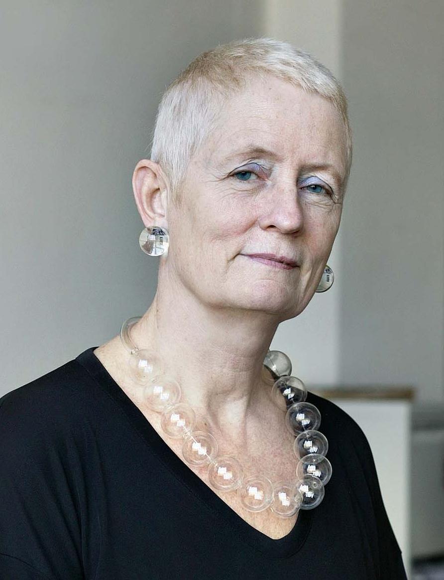 Mieke Bal portrait KNAW 300 © Henk Thomas