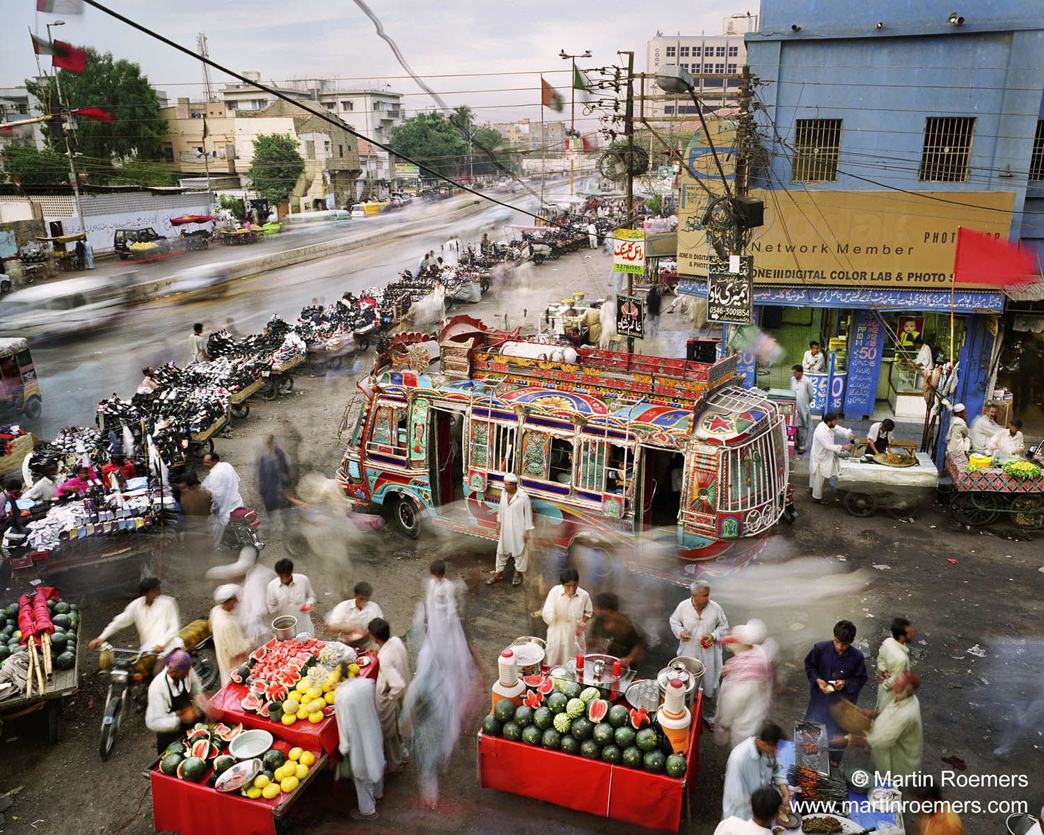 Karachi, Pakistan. From the series Metropolis. Photo: Martin Roemers, Courtesy of Anastasia Photo, New York.