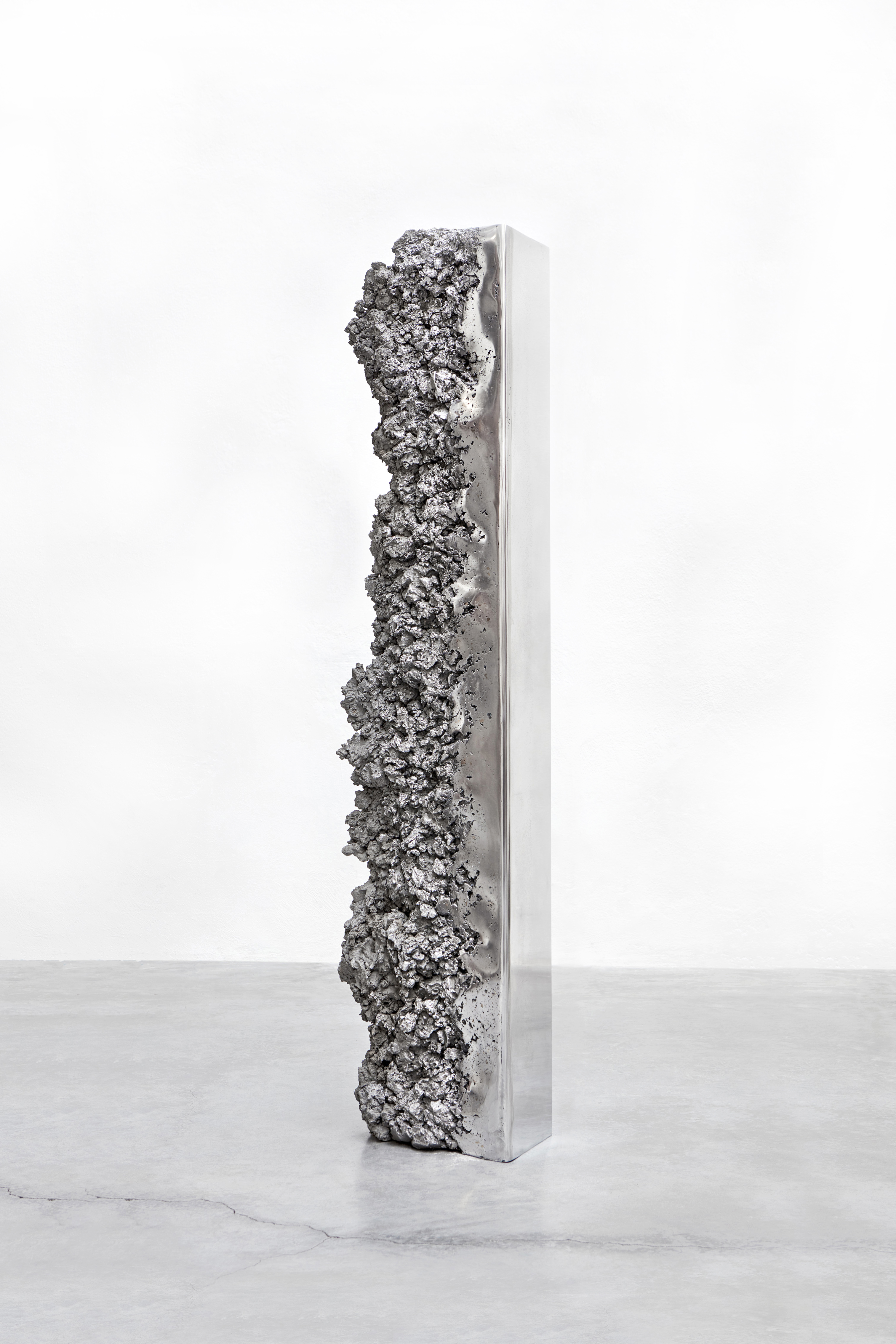 The Synthesis Monolith mirror no.1 - Hongjie Yang