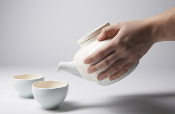 Inge Kuipers, Tea Set Touch, 2012 (part of Self Unself)