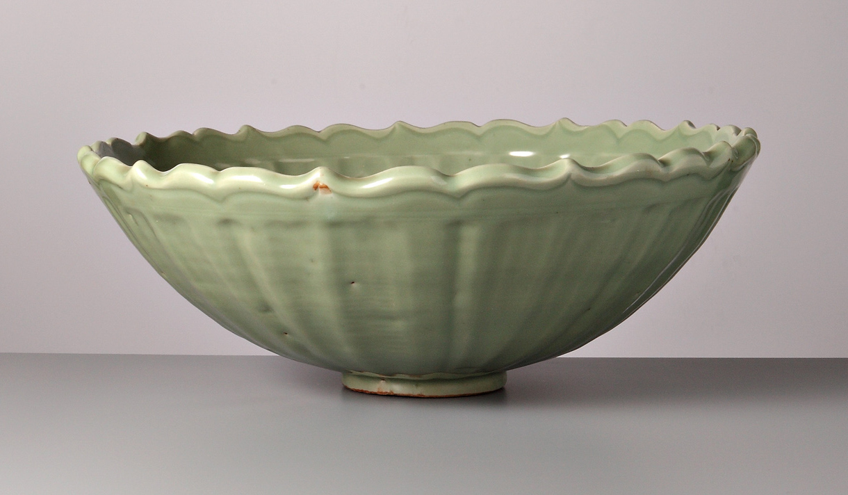 Chrysanthemum Bowl - Part of the Vanderven Exhibition