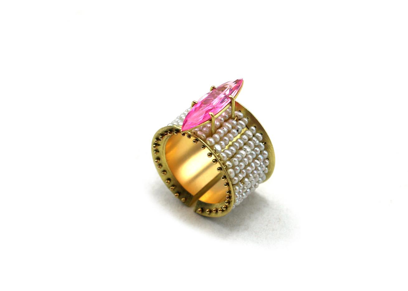 Philip Sajet, Rose Pearl Ring, 2018